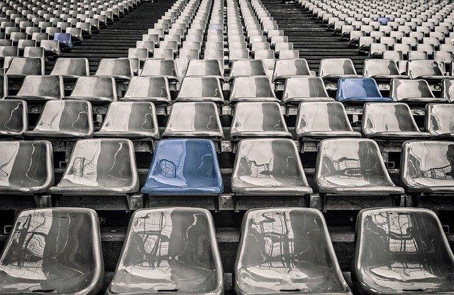 stade de foot vide